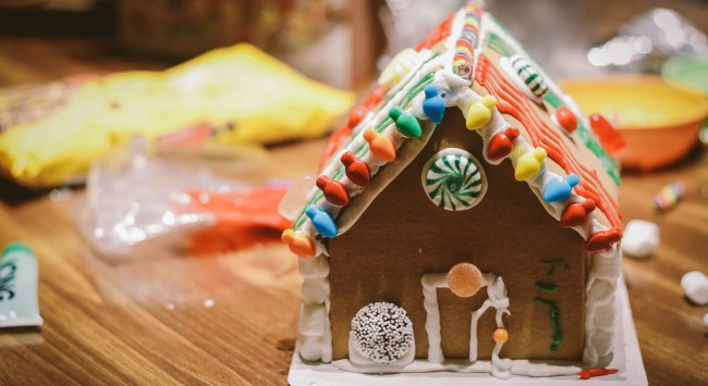 Fun and Easy Holiday Tradition? For Us, Graham-Cracker Houses.